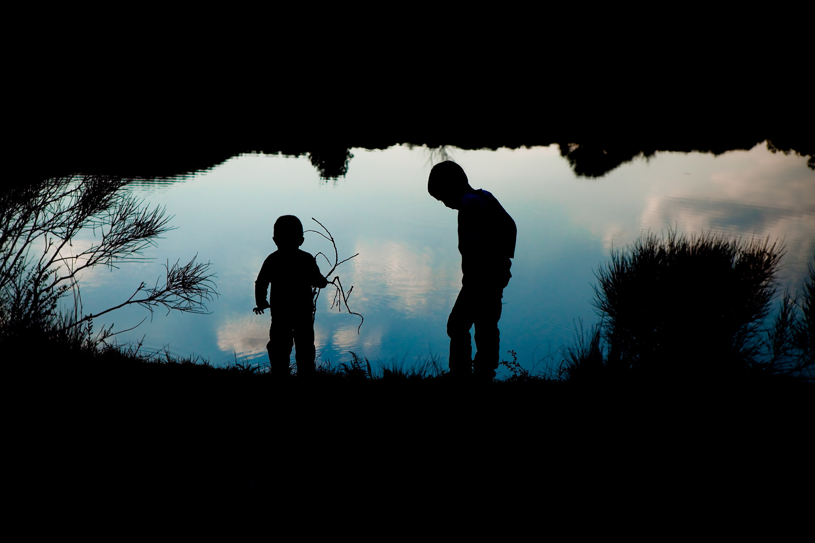 How to create a silhouette photo by Lisa Tichane