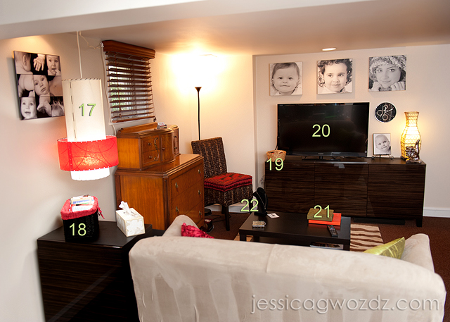 studio proofing room for photographers by Jessica Gwozdz