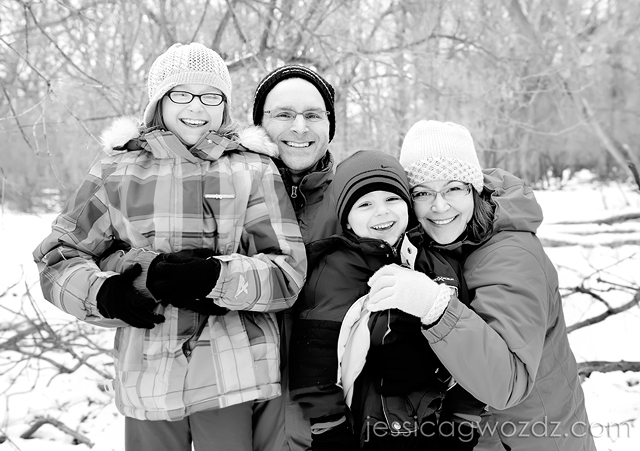 black and white family photography by Jessica Gwozdz