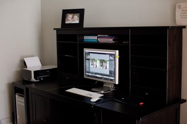 desk-640x426
