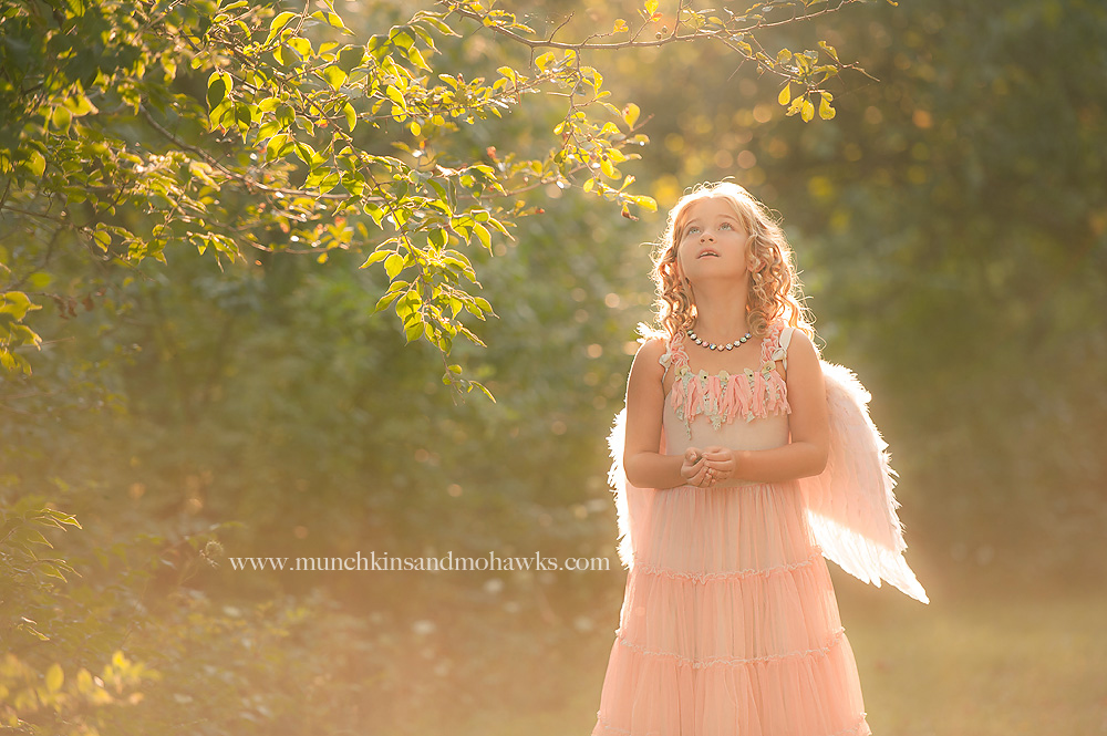 cheap online photography workshops by Tiffany Bender of Munckins and Mohawks for Clickin Moms