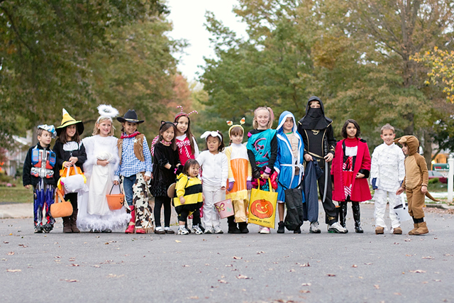 Halloween Costumes and dress up by Anita achevres