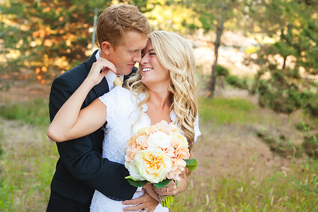 tips for photographing weddings by Lee Ann Norris