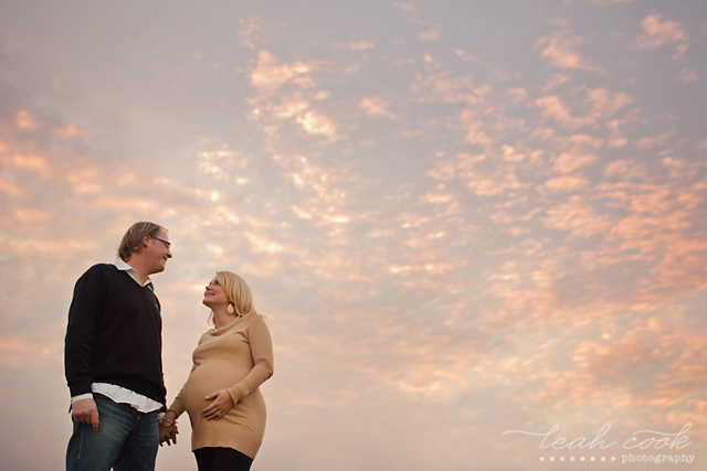 easy tips for creating better maternity photos by Leah Cook
