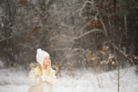6 tips for magical snow photographs by Amy Lockheart