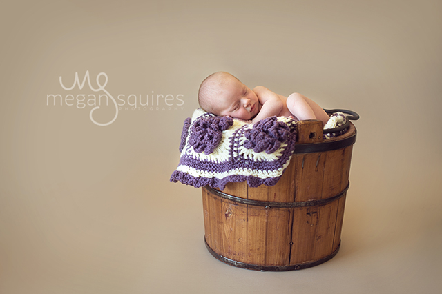 how-to-safely-take-newborn-photographs-tutorial-by-Megan-Squires