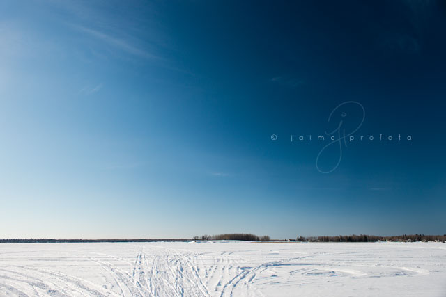 wide angle photograph using a polarizer by Jaime Profeta