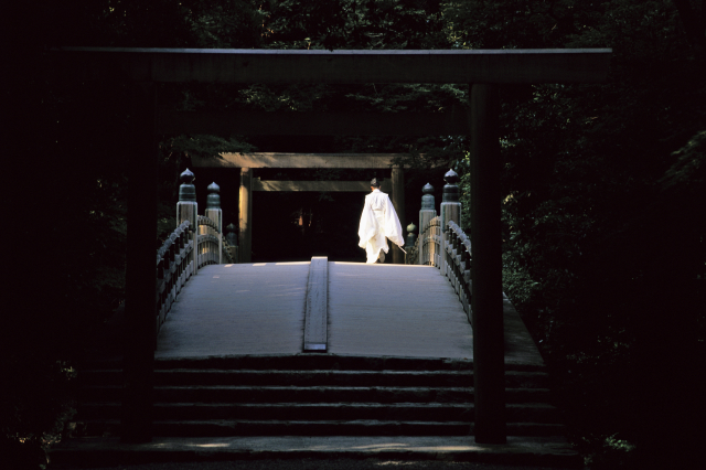 Shinto priest