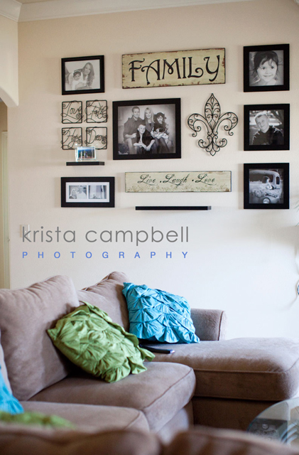 Colorful ways to display your pictures on your walls for Wall hanging ideas for family room