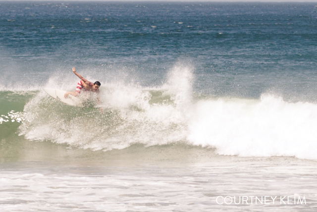 tips for photographing surfing by Courtney Keim
