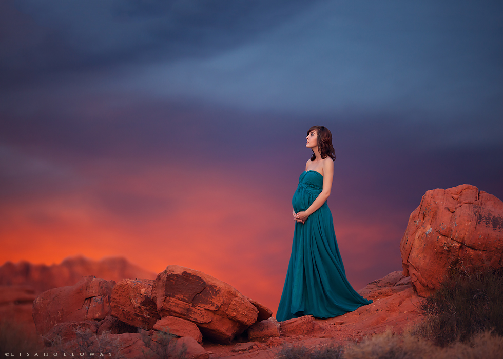 maternity photography with a gorgeous sky by Lisa Holloway
