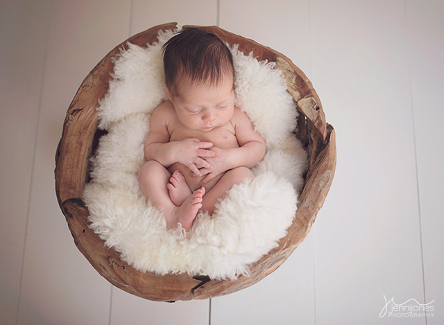 tips for coordinating newborn sessions by Jenni Jones