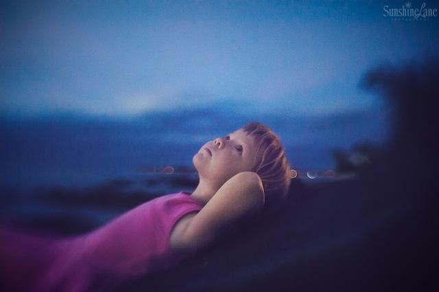 low light outdoor photography by Sarah Vaughn
