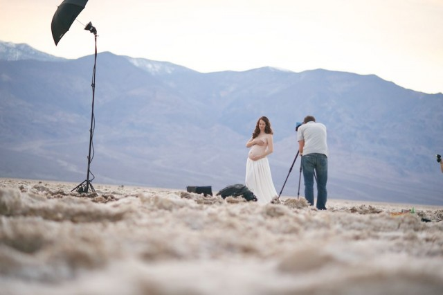 behind the scenes picture of a Death Valley maternity photo shoot by Michael Kormos