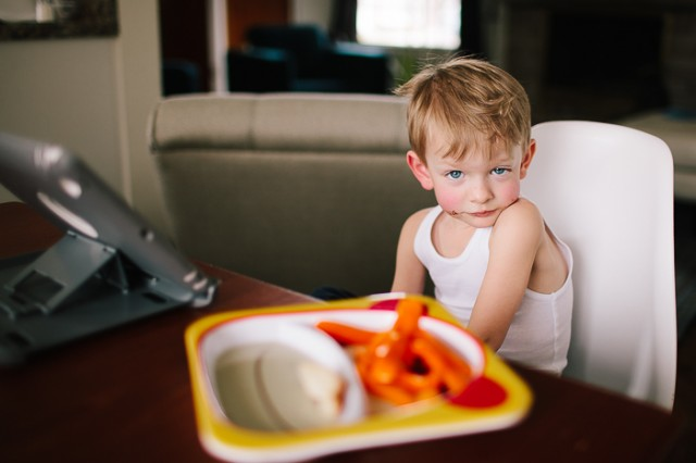 boy-eating-snack-picture-by-Sarah-Lalone1-640x426