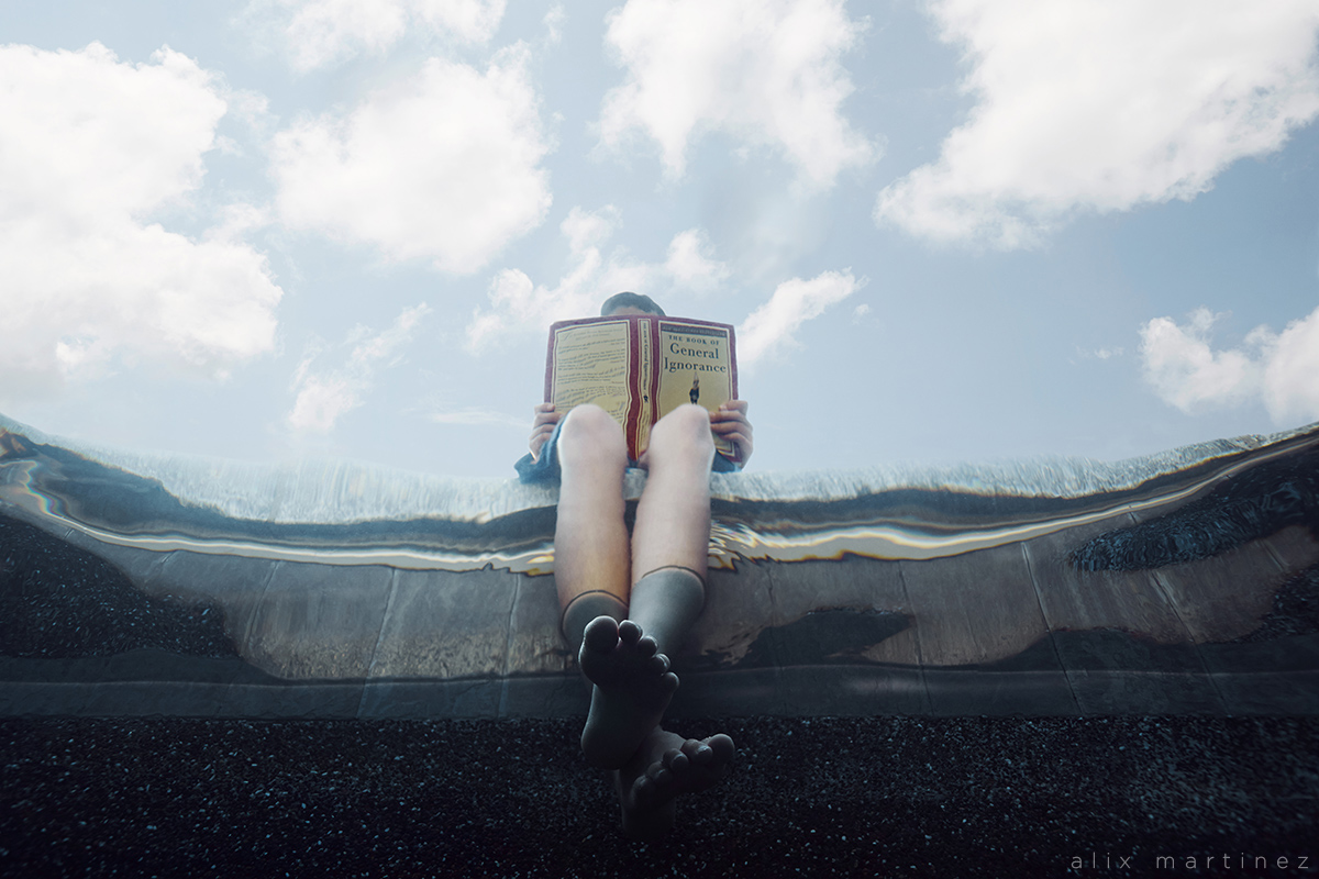 reading a book underwater picture by Alix Martinez