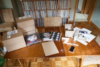packing-station-of-photographer-Elena-Blair-8-640x426