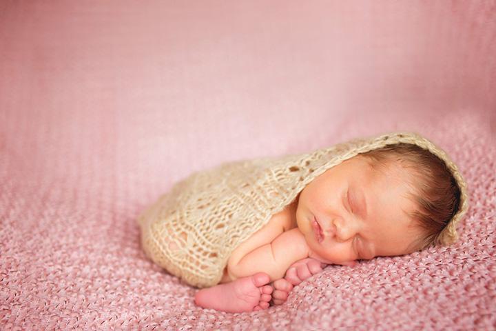 newborn photo by Winnie Bruce