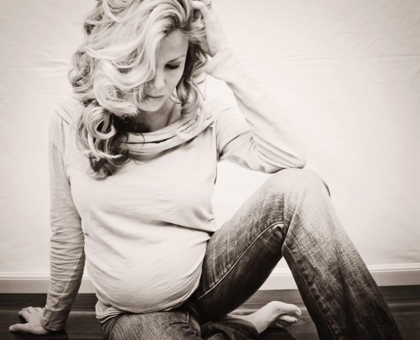sepia maternity portrait