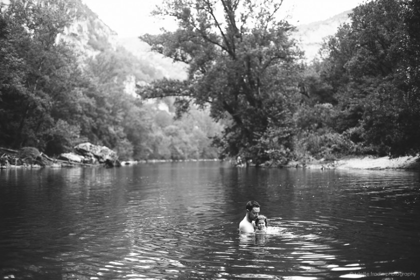 swimming in the river backlight photo by Juliette Fradin