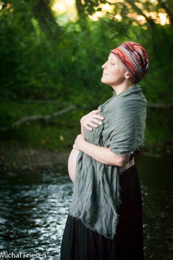 outdoor maternity photo by Michal Friesen