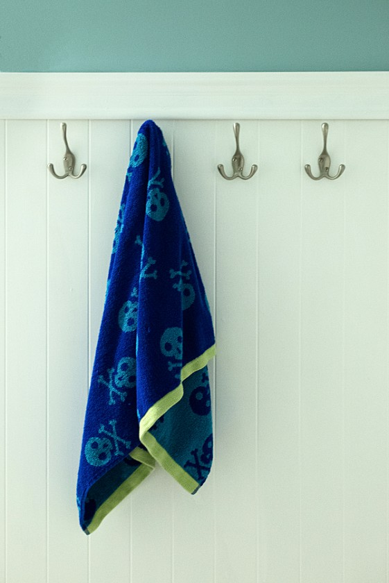 Towel-on-Rack-by-Susan-Jaske