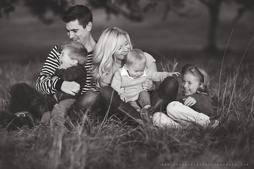 happy family portrait by Elena Blair