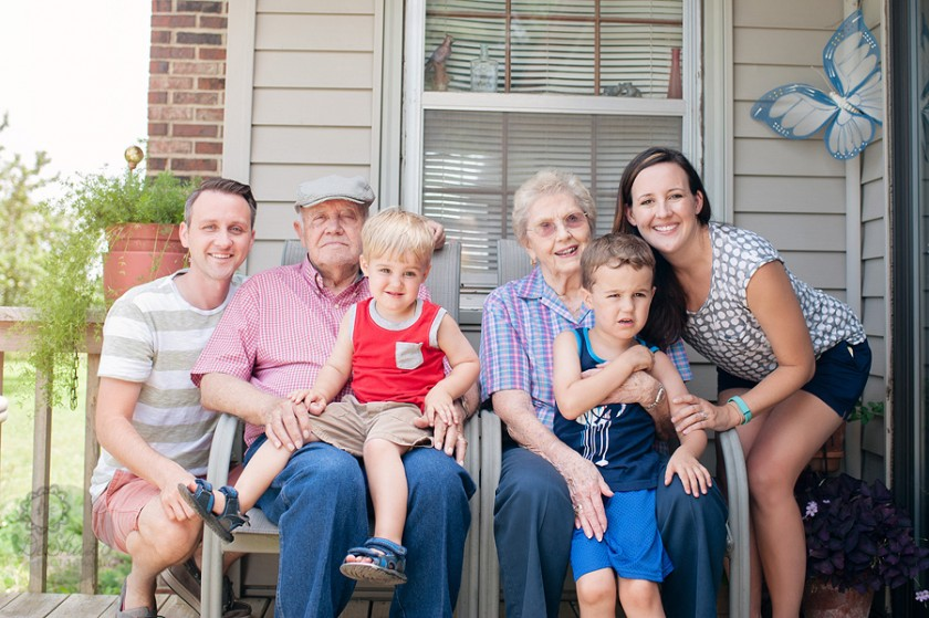 family of 4 picture with grandparents by Megan DeShazo