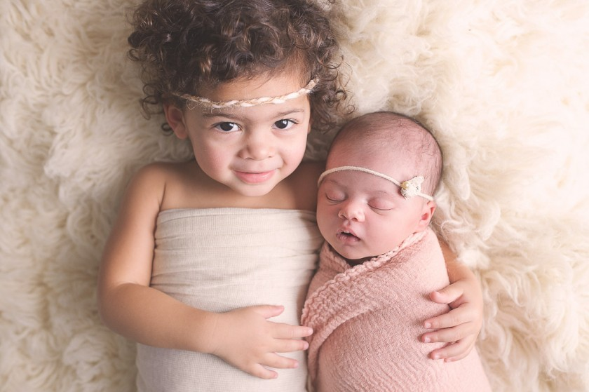 picture of two sisters by Heather Mohr Photography