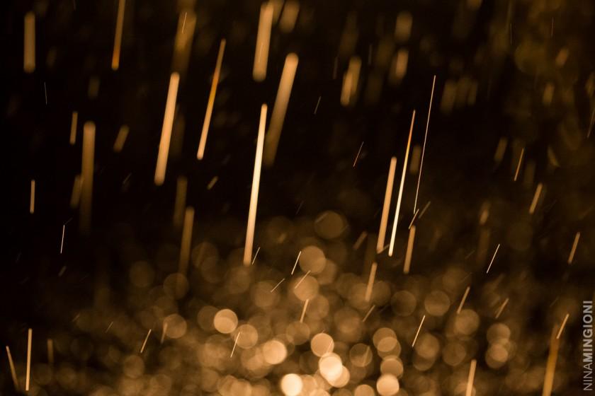 rain drops by Nina Mingioni