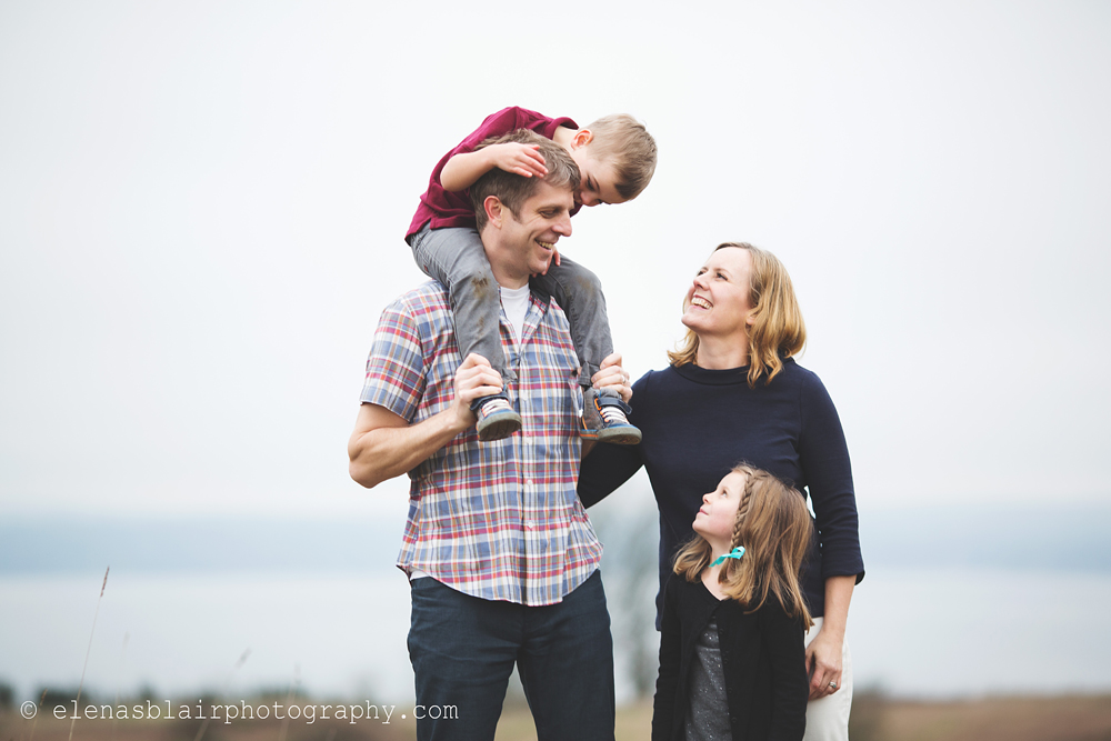 outdoor family portrait by Elena Blair