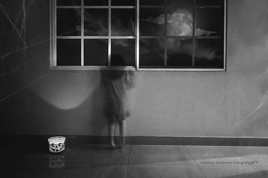 Ghostly-Motion-Blur-in-Spooky-Halloween-Black-and-White-Photo-by-Carolina-Guerrero