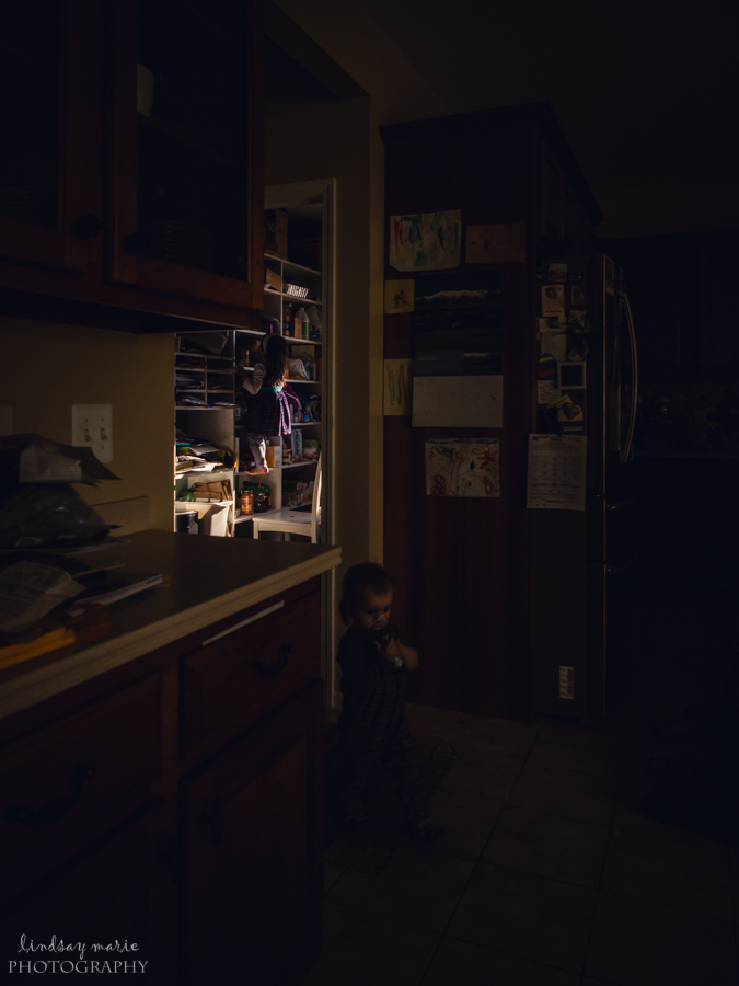 Gorgeous-Framing-and-Color-Documentary-Child-Photography-with-Depth-and-Dimension-by-Lindsay-Beros