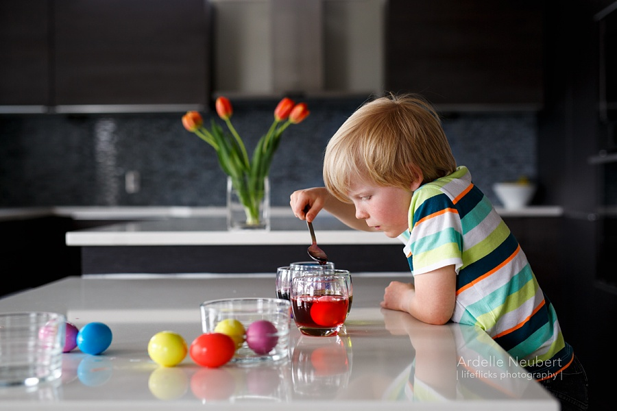 photo of child dying Easter eggs by Ardelle Neubert