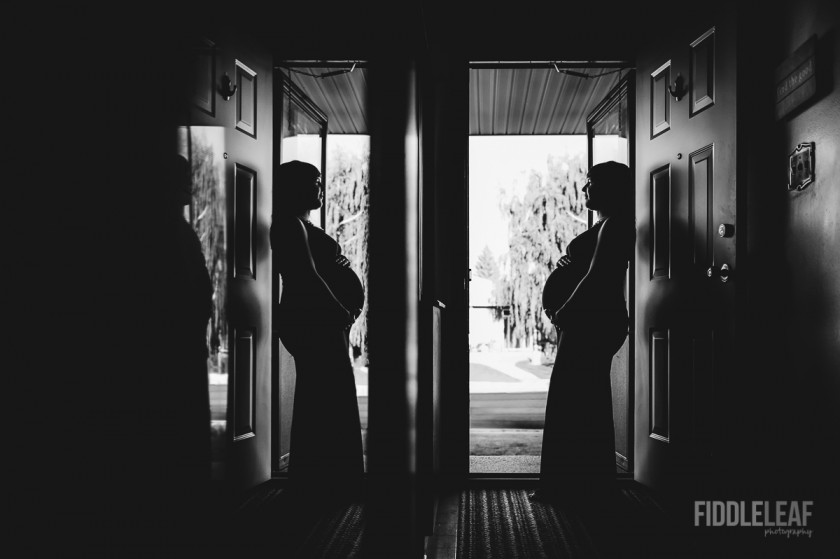 silhouette reflection maternity portrait by Kelly Marleau