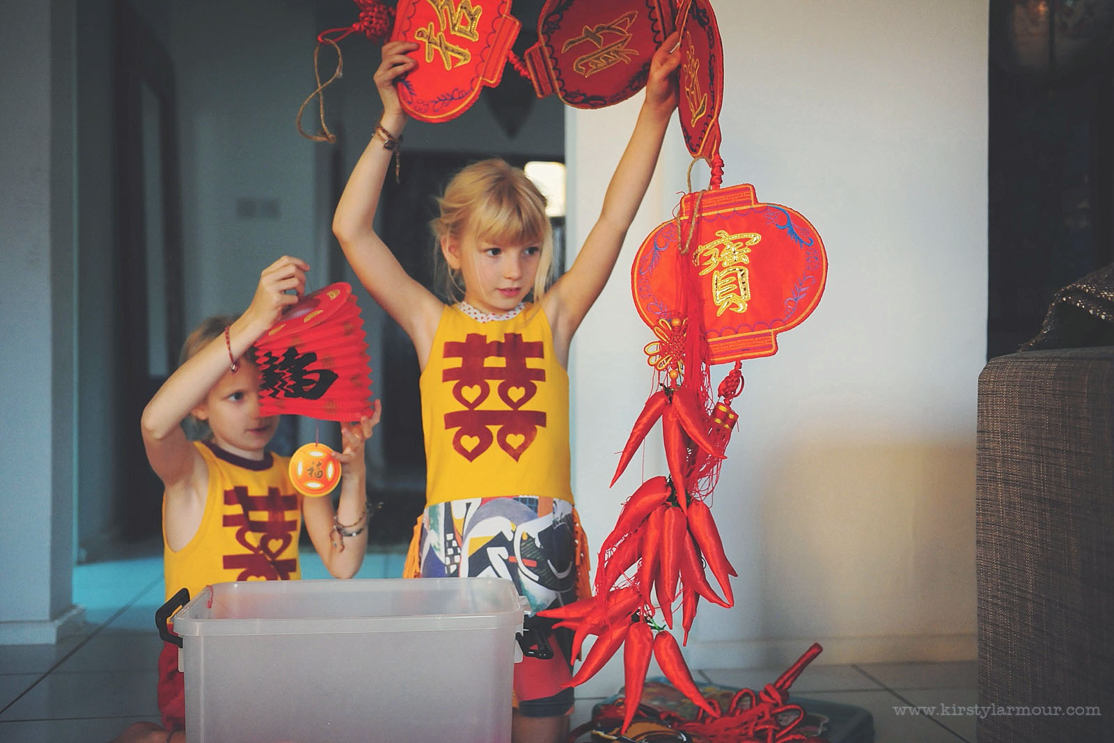 picture of kids with oriental decor by Kirsty Larmour 12