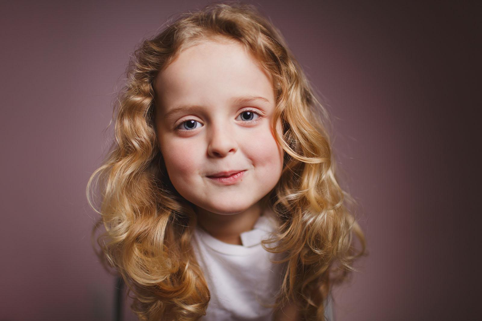 portrait of girl with loop lighting by April Nienhuis