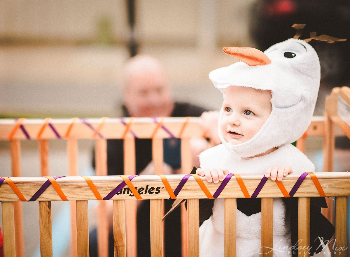 pic of kid dressed like Olaf by Lindsey Mix