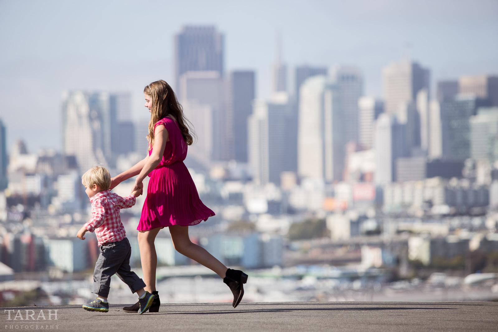 picture of siblings in San Francisco by Tarah Beaven