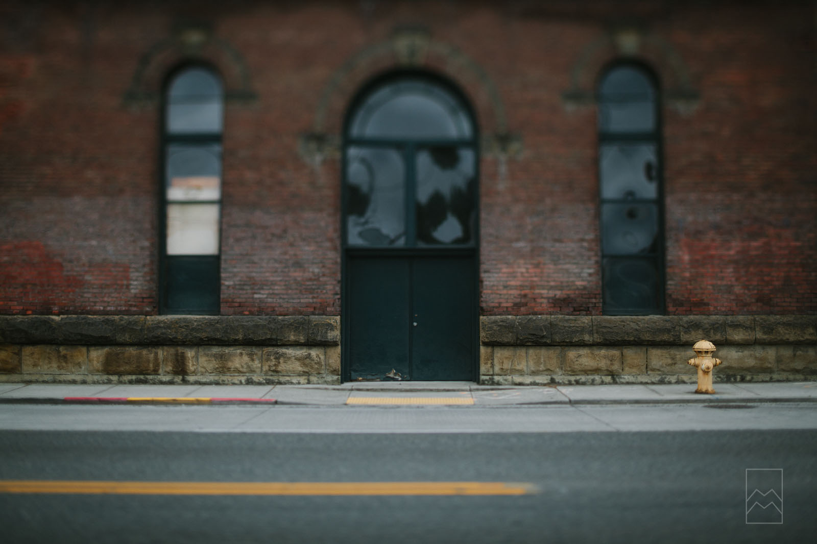 street-photography-with-a-tilt-shift-lens-by-meghan-mcmackin
