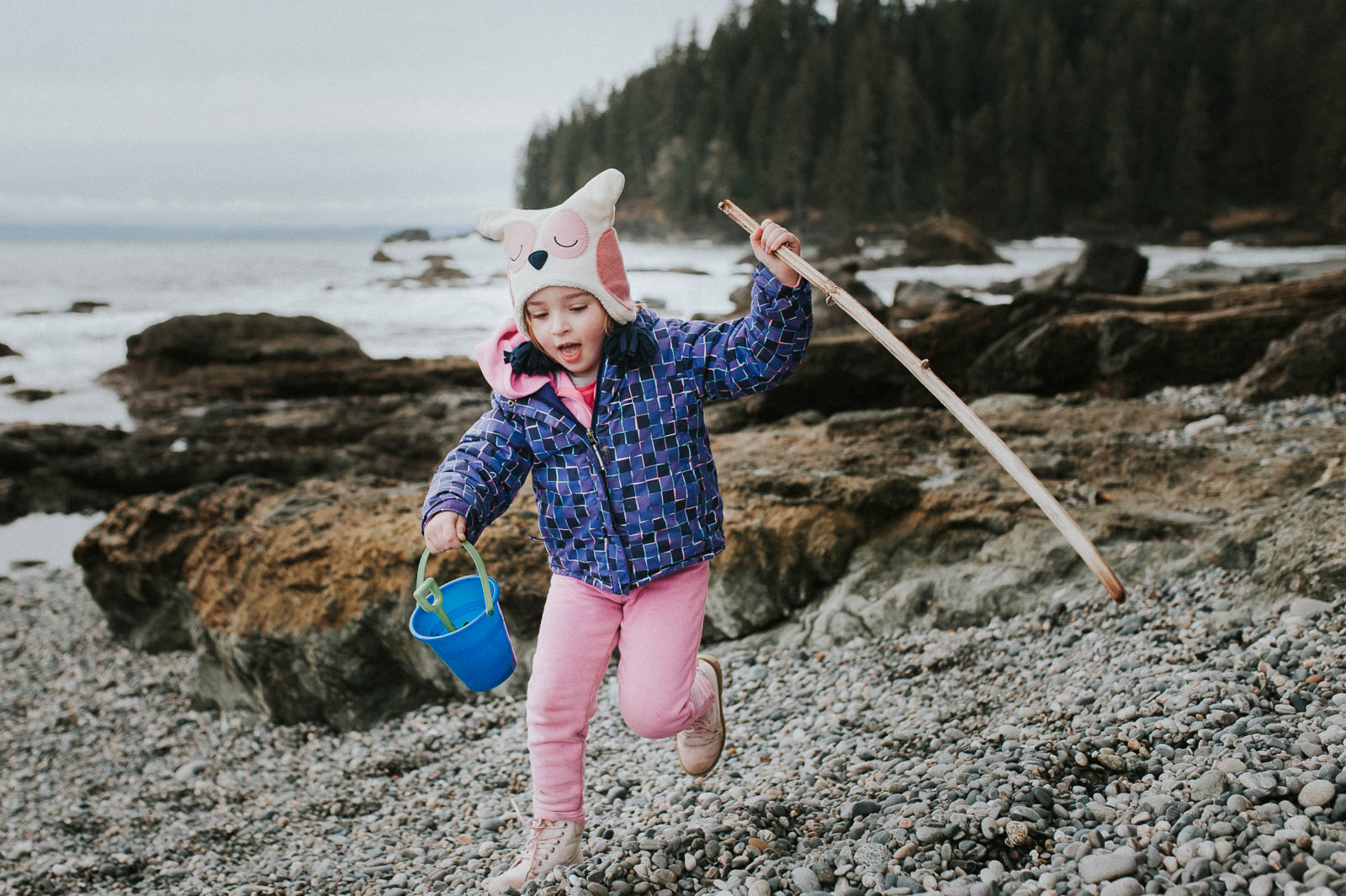 Photographing children with endless amounts of energy can be challenging. But, with these genius tips from the Click Pros, you'll be breezing through kid pictures from here on out!