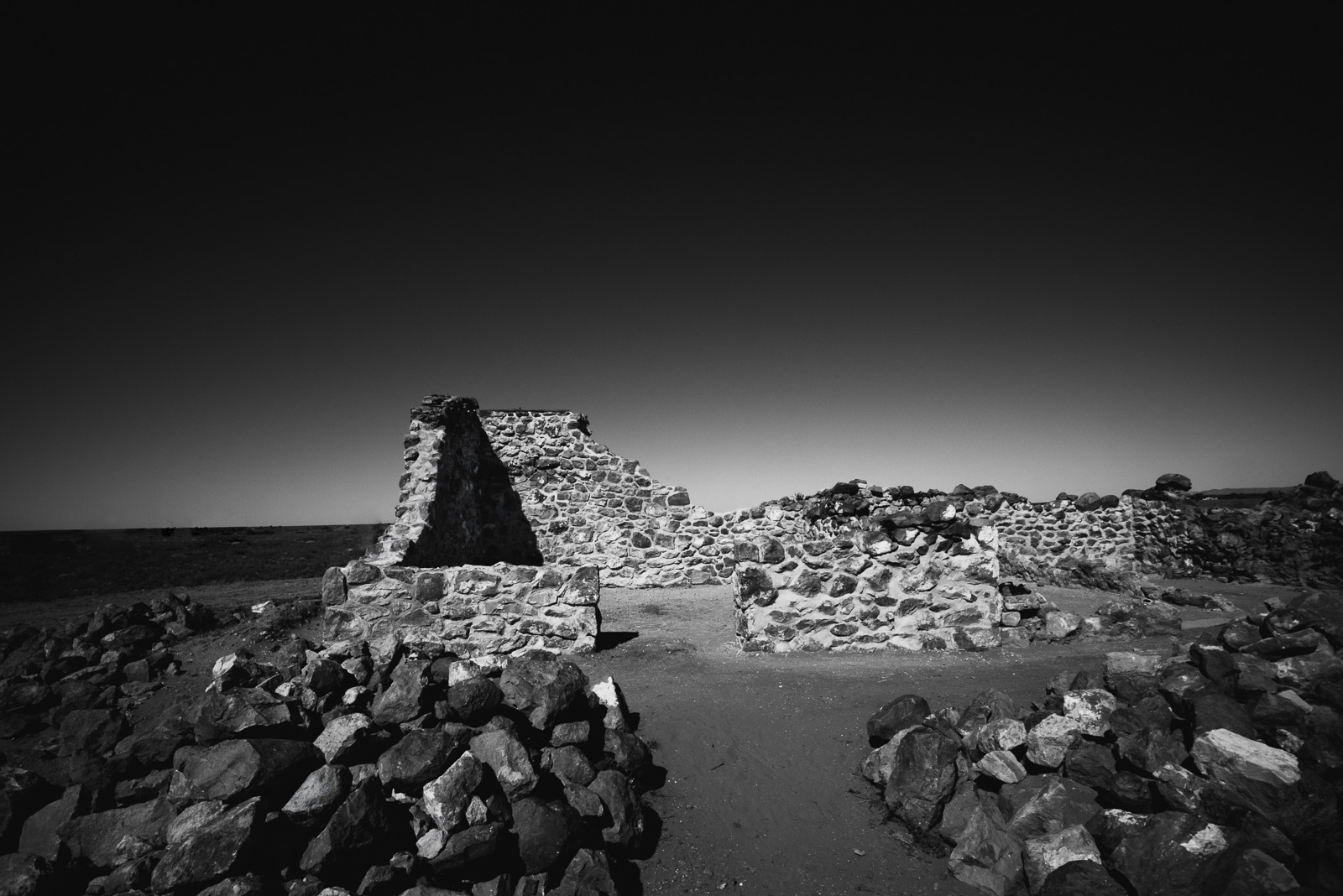 ruins in Australia in black and white by Elle Walker