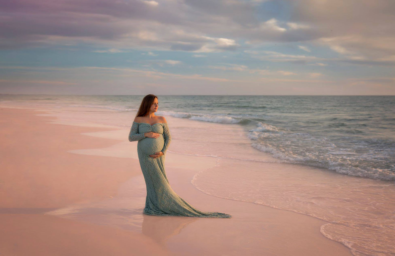 One place that I always struggled taking photos of my daughter and clients was the beach. Sure, it's easier to get great photos if you're shooting at sunset but with little ones and bed times we know that's not always an option.