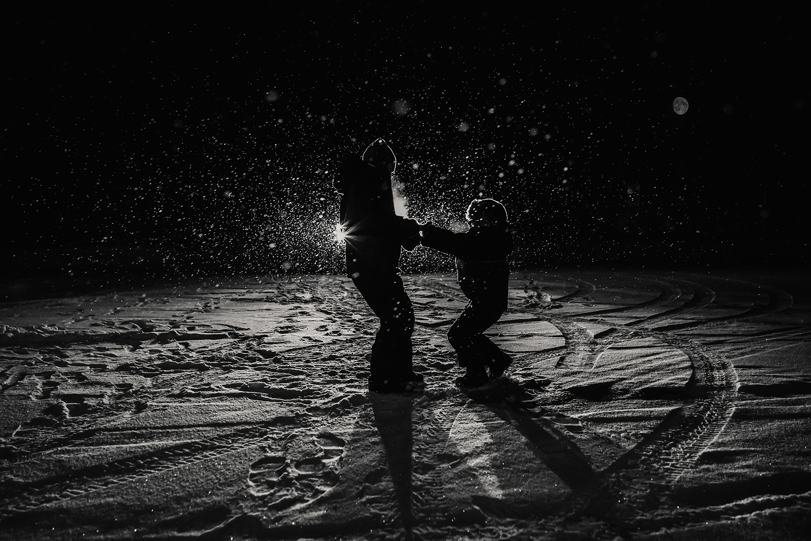 children-playing-snow-silhouette-Melissa-Richard