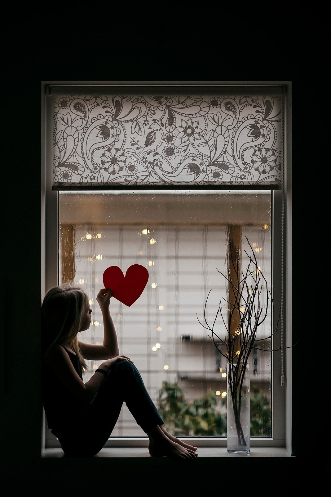 Jenny Rosenbring-girl-in-window-with-heart_jennyrosenbring