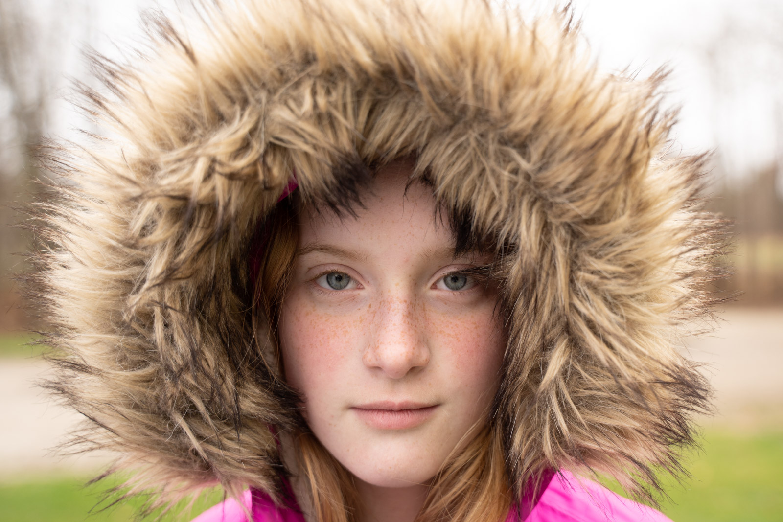 MickieDeVries006 photo of girl in hood with reflector