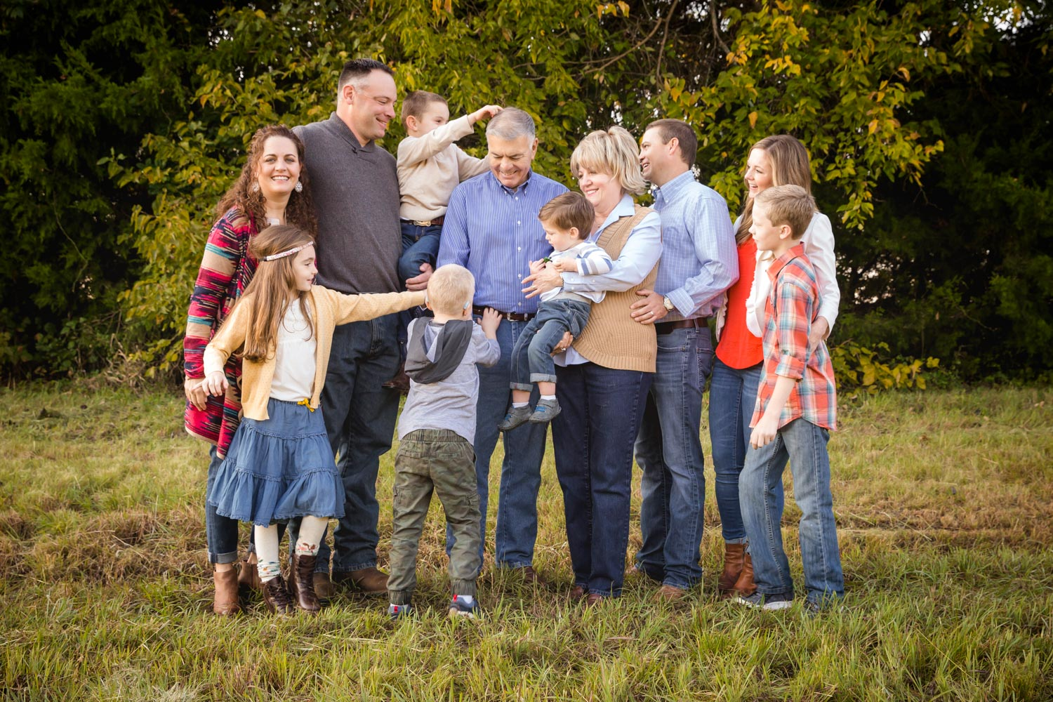 Large Group Photo Session family playing and laughing candid photo by Shelly Niehaus Photography Prosper, TX.-3