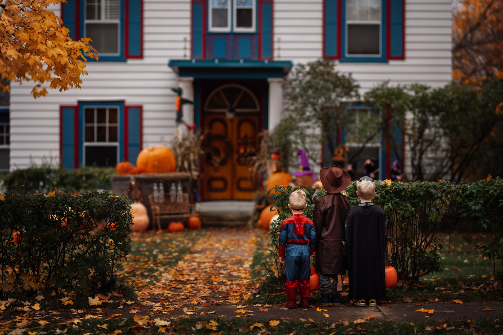 megloeks_image22 children trick or treating halloween fall activities by meg loeks