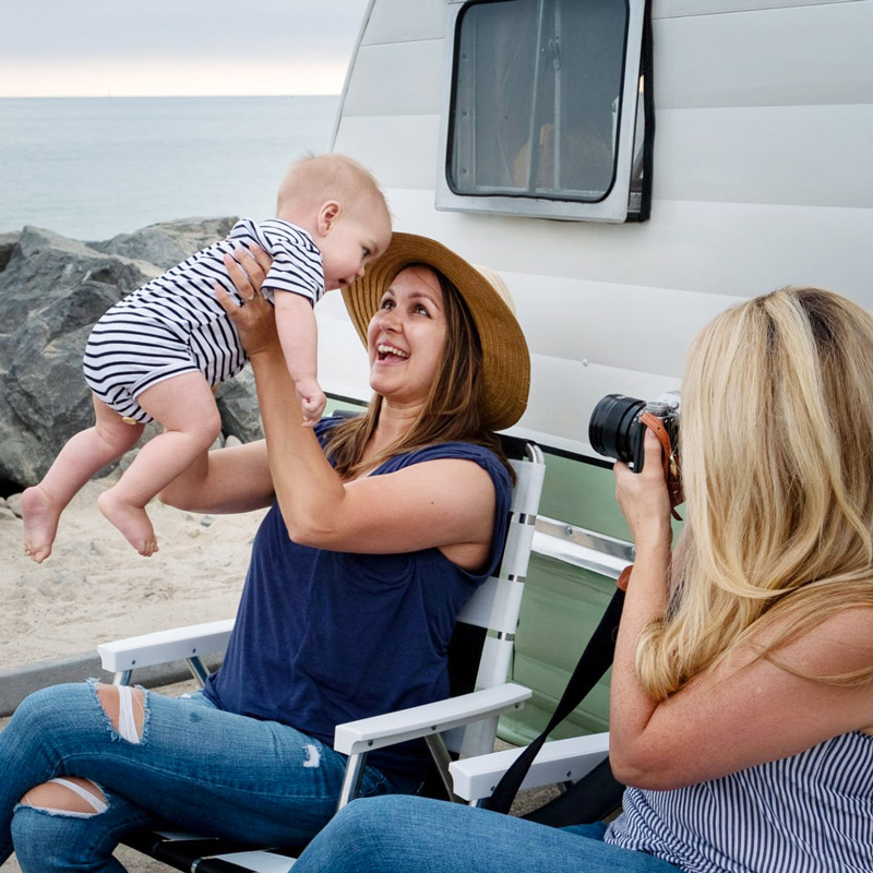 Two-Clickin-Moms-Members-with-Babies-by-Pro-Photographer-Karlee-Hooper-sm